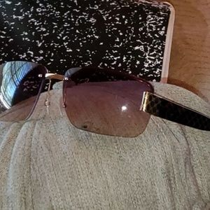Unisex Gucci sunglasses